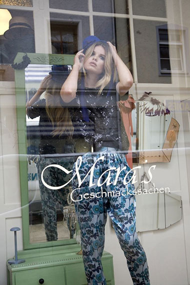 conny-oberschelp_fashion-commercial_maras-geschmackssachen-vorschau