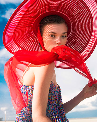 arzu-kuecuek_fashion_advertorial-for-hugo-boss-by-elizaveta-porodina-vorschau