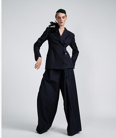 arzu_kuecuek-fashion-kunst_magazin_by_claudia_grassl-vorschau