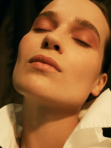 arzu_kuecuek-beauty-glamour_beauty_book_by_kathrin_makowski-vorschau